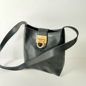 Vintage Ferragamo black leather Shoulder bag